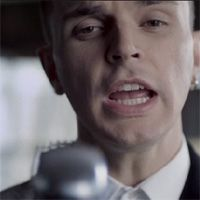 http://music.uno.se/2010/10/hurts-stay/ thumbnail image